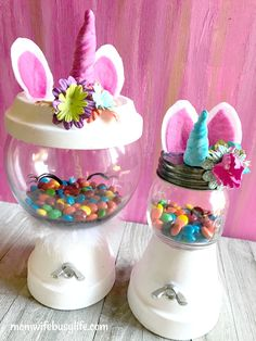 Learn how to make this adorable Unicorn Candy Machine! This simple craft is fun to make. Create yours today and place your child's favorite candy inside. Flower Pot Crafts, Clay Pot Crafts, Jar Crafts, Easter Crafts, Crafts For Kids, Tree Crafts, Candy Bowl, Candy Jars, Candy Dishes