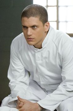 Wentworth Miller a Gallery of Photos Michael Scofield, Prison Break 3, Lincoln Burrows, Immortals After Dark, Wentworth Miller Prison Break, Michael And Sara, Broken Pictures, Leonard Snart, Dominic Purcell