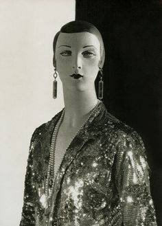 Mannequin by Siegel (1927)..(pictosh?)