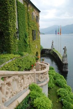 The Villa del Balbianello is an amazing estate overlooking Lake Como (Italy). It has appeared in a number of films including A Month by the Lake, Star Wars: Episode II Attack of the Clones and Casino Royale Places Around The World, Oh The Places You'll Go, Places To Travel, Places To Visit, Around The Worlds, Beautiful World, Beautiful Places, Grands Lacs, Comer See