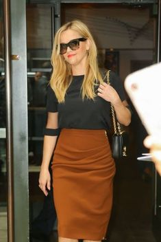 500 Best Reese Witherspoon Style Petite Celebrity Style Images In 2020 Reese Witherspoon Style Reese Witherspoon Celebrity Style