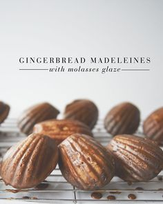 Use MSL spice madeleine recipe with this molasses glaze. Cupcakes, Madeleine Recipe, Cookie Recipes, Dessert Recipes, Pan Relleno, Moist Cakes, Christmas Baking, Italian Christmas, Christmas Cookies