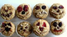 This healthy kids snacks has extra antioxidants. Kids can help make the faces and will enjoy this as dessert too. Fun Foods To Make, Snacks To Make, Healthy Snacks For Kids, Kid Snacks, Preschool Cooking, Preschool Snacks, Preschool Birthday, Yummy Healthy Snacks, Healthy Muffins