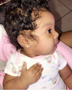 """"""" With that hand on her chest lol but my baby got a lotta hair 😩😍 Cute Mixed Babies, Cute Black Babies, Beautiful Black Babies, Cute Little Baby, Lil Baby, Pretty Baby, Cute Baby Girl, Beautiful Children, Little Babies"""