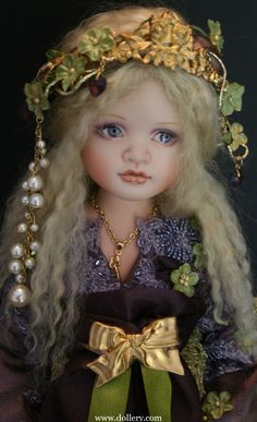 Lavender Princess porcelain OOAK doll by Lorella Falconi, an Italian artist who now resides in Canada, photo credit of the Dollery