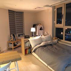 공간 소개는 오 korean bedroom design small bedroom ideas small attic bedroom h Apartment Room, Small Room Bedroom, Home Bedroom, Bedroom Interior, Bedroom Design, Minimalist Room, Aesthetic Room Decor, Small Bedroom, House Interior