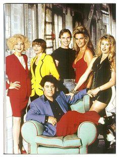 """010 """"Foto con el casting principal"""" / Tacones lejanos (1991) / #Almodovar"""
