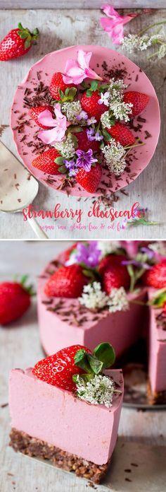 Vegan Strawberry Cheesecake // dates, almonds, cocoa powder, cashews, strawberries, maple syrup, agar flakes, coconut cream, aquafaba