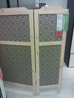Tämä Ikean sermi voisi toimia tilanjakajana vai mitä? Aika kivan näköinen.