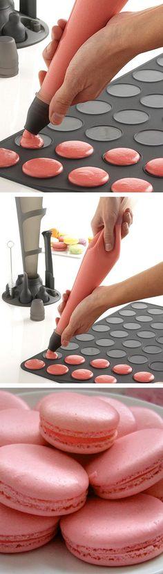 Macaron baking sheet // great idea!