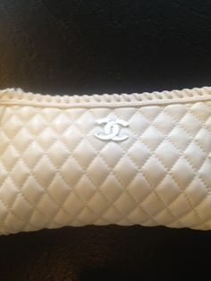 Small white Chanel Clutch - SOLD