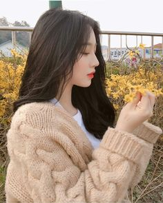 You don't have to be a perfect, because a real man love a girl however she look❤ -jb- Pretty Korean Girls, Cute Korean Girl, Cute Asian Girls, Beautiful Asian Girls, Cute Girls, Ullzang Girls, Ullzang Boys, Ulzzang Girl Fashion, Ulzzang Korean Girl