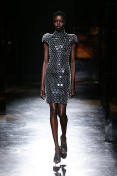 Iris van Herpen   Fall 2016 Ready-to-Wear   03 Black short sleeve mini dress