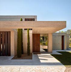 Home in the pine forest, Rocafort, 2017 - Ramon Esteve Estudio Architecture Design Concept, Modern Architecture House, Facade Design, Residential Architecture, Exterior Design, Minimalist Architecture, Sustainable Architecture, Villa Design, Design Art