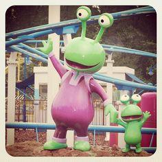 #MarcelMok #78marcel #earlybird #earlybirdlovers #alien #aliens #green #purple #blue #eye #eyes #germany #movie #moviepark - @marcelmok- #webstagram