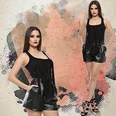 Acești pantaloni din piele ecologică, se află în stocul Adrom Collection , în regim en-gros și se pot achiziționa de aici: www.adromcollection.ro/pantalo…/62-pantaloni-angro-p046.html