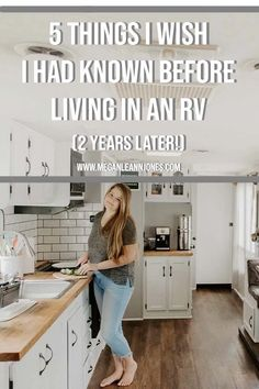 With the Full Time RV life trend on the rise, people are always asking me what I wish I had known before moving into an RV, so today I'm excited to be sharing 5 things I wish I had known before living Camper Life, Rv Campers, Rv Life, Tiny Camper, Camper Trailers, Travel Trailer Living, Rv Travel, Travel Trailers, Living In A Camper