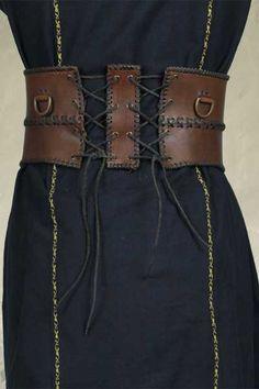 Wide leather belt, back