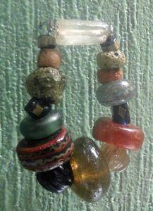 9th century Glasbeads bracelet- Historisches Museum Oslo