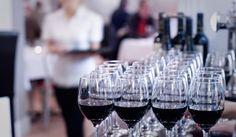 River cafe on the Tyne Newcastle, Red Wine, Alcoholic Drinks, Restaurant, River, Eat, How To Make, Diner Restaurant, Liquor Drinks