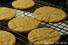 Soft & Chewy Peanut Butter Cookies Recipe