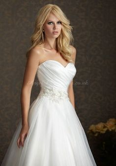 Ball Gown Sweetheart Chapel Train Satin Wedding Dress with Crystal and Embroidery Pleated Wedding Dresses, Wedding Dresses 2014, Cute Wedding Dress, Bridal Dresses, Wedding Gowns, Bridesmaid Dresses, Wedding Bells, Wedding Attire, Glamour