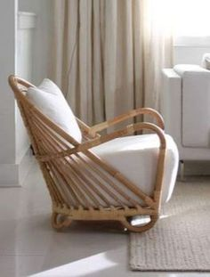 bamboo furniture Bamboo chair - simple soft design makes the chair perfect for a nursery or reading den. Bamboo Sofa, Bamboo Furniture, Cool Furniture, Furniture Design, Bamboo Chairs, Rattan Chairs, Furniture Cleaning, Bag Chairs, Furniture Stores