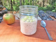 Apple Pie Overnight Oats - One of the best breakfast's for Fall! http://macthelm.blogspot.com/