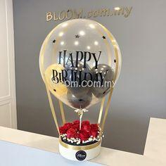 Sending hot air balloon flower box for birthday surprise. Birthday Balloon Delivery, Birthday Balloon Surprise, Birthday Balloons, Birthday Gifts, Birthday Delivery Ideas, 21st Birthday, Flower Box Gift, Flower Boxes, Balloon Flowers