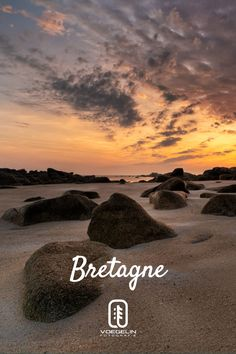 Sonnenaufgang an einem der Zahlreichen Strände der Bretagne! Endlose Fotomotive und Möglichkeiten! ➡️ Lerne Fotografie in meinen Coachings! ⬅️ Coaching, Yoga, Celestial, Sunset, Stretching, Outdoor, Photos, Brittany, Photo Mural