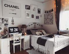 Quarto Adolescente: +95 Ideias e Projetos Originais para 2021 Bedroom Themes, Teen Bedroom, Bedroom Wardrobe, Bedroom Ideas, Wardrobe Doors, Design Bedroom, White Bedroom, Cool Ideas, Home Design