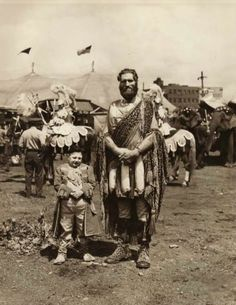 sisterwolf: The Icelandic Giant, Johann K. Old Pictures, Old Photos, Vintage Photos, Water For Elephants, Human Oddities, Vintage Circus, Vintage Carnival, Circus Performers, Historical Pictures