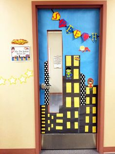 Are you looking for a way to power up your speech room? Find inspiration, bulletin board ideas, crafts, and printables.all with a superhero theme! Superhero Classroom Door, Superhero School Theme, Superhero Teacher, Classroom Decor Themes, School Themes, Classroom Ideas, Hallway Decorations, Classroom Window, Classroom Design