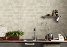 simple brick kitchen wall tiles inspiration for some cool looks 8 Brick Style Tiles, Brick Tiles, Kitchen Wall Tiles, Kitchen Decor, Cream Walls, Bright Kitchens, Color Tile, Kitchen Styling, Kitchen Countertops