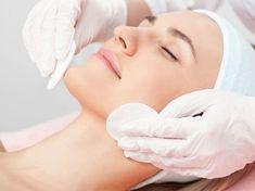 fruchtsaeurepeeling-medizinisch Facial Treatment, Spa Promo, Beauty Clinic, Simple Eye Makeup, Spa Massage, Healthy Skin Care, Spa Treatments, Facial Masks, Lighten Skin