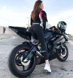 Black Yamaha Motorcycle and biker girl engine needed to cool down.on June 10 so gorgolin knight where is bro. R6 Motorcycle, Motorbike Girl, Lady Biker, Biker Girl, Suv Bmw, Motard Sexy, Skier, Zx 10r, Bike Rider