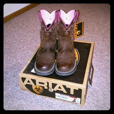 """Ariat Fatbaby Saddle Cowboy Boots Premium full grain leather, round toe, two-tone feminine shaft stitching, heel height 1-3/4"""", shaft height 8"""", size 9. Color- Driftwood Brown. Only worn twice(fairly new with tags and box). Beautiful and very comfortable boot! Ariat Shoes Heeled Boots"""