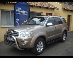 2011 TOYOTA FORTUNER 4.0 V6 AUTO  , http://www.carsusedcars.co.za/toyota-fortuner-4-0-v6-auto-used-for-sale-ravenswood-eastrand-boksburg-gauteng_vid_2773023_rf_pi.html