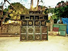 Kingston Jamaica - Stone Love - Photo Alamy