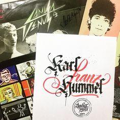 """Era 1986  A primeira vez que fui num show de rock. A banda era o #camisadevenus e foi a primeira vez que vi um guitarrista ao vivo meu primeiro """"Guitar Hero"""" Mr. Karl Franz Hummel. Aquilo me fez ter certeza que era de rock que eu gostava e qual seria minha banda preferida. Depois disso foram inúmeros shows e discos e hoje Karl se foi e deixou desfalcada a formação clássica do Camisa. Descanse em paz  #ripkarlfranzhummel #rockbrasil #musica . . #feitoamao #arte #santos #baixadasantista…"""