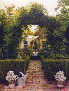 walkway to secret garden with tons and tons and tons and tons and tons.oh and tons of flowers Formal Gardens, Outdoor Gardens, Garden Arches, Modern Garden Design, My Pool, Garden Gates, Garden Entrance, Garden Hedges, Brick Garden