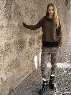 Urban Style for Her Smart Styles, Dress First, Urban Fashion, Normcore, Street Style, Pullover, Collection, Dresses, Women