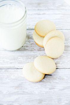 homemade vanilla wafers | heathersfrenchpress.com