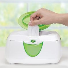 The Munchkin Warm Glow Wipe Warmer holds up to 100 pop-up wipes. The convenient warmer has a flip-top lid that activates a soothing light for night time diaper changes. This wipe warmer gent Prince Lionheart, Baby Wipe Warmer, Iphone Wallpaper Fall, Baby Gadgets, Baby Must Haves, Baby Needs, Baby Essentials, Baby Necessities, Baby Accessories