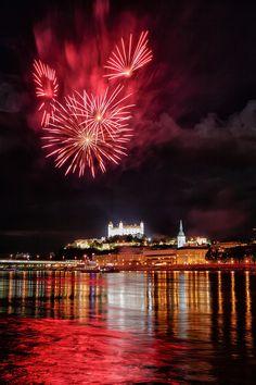 Red Sky - Fireworks over Bratislava Castle - Photo © Miroslav Petrasko from blog.hdrshooter.net | #Photography  #HDR |