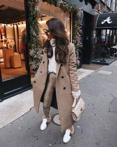 Beige Look From Zara - Fashion Inspo - Mode Zara Fashion, Fashion Mode, Look Fashion, Woman Fashion, High Street Fashion, Feminine Fashion, 50 Fashion, Classy Fashion, Ladies Fashion