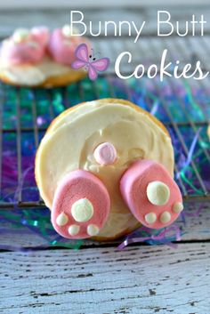 Bunny Butt Cookies Easter Crafts, Holiday Recipes, Holiday Desserts, Spring Recipes, Holiday Foods, Holiday Treats, Holiday Fun, Easter Desserts, Easter Food
