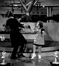 24 Amazingly Cute GIFs Of Shirley Temple As A Child To Remind Us What An Icon…