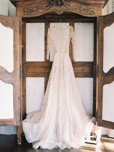 Lee Petra Grebenau champagne gown | Photography: Sophie Kaye Photography