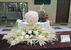 Altar Decorations, Centerpieces, Church Flowers, Floral Arrangements, Easter Decor, Anna, Home Decor, Valentines Day Weddings, Mesas